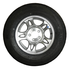 Load Rite Split Star aluminum wheel